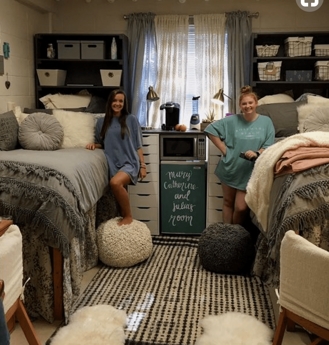 3 tips for maximizing dorm room space